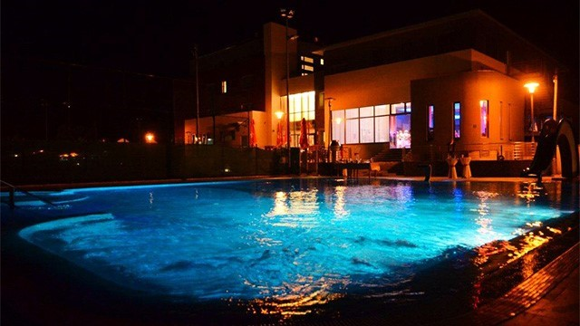 Doček mladenaca na bazenu - Hotel Sport Ivanić-Grad